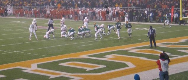 Gameplay during the 4th quarter of the Baylor Bears vs. Texas.