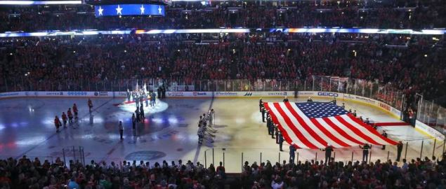 The Chicago Blackhawks honer Veterans at the United Center.
