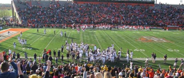 Kent State players and fans celebrate near the end of the game against Bowling Green.