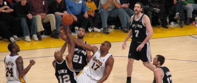 San Antonio Spurs vs L.A. Lakers game from 2007