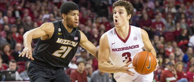Missouri Tigers vs Arkansas Razorbacks Men's Basketball.